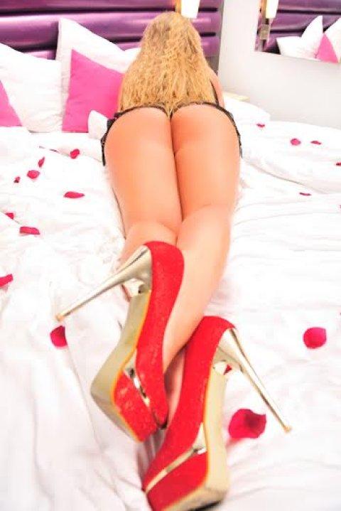 lingam erotic massage mature polish escort
