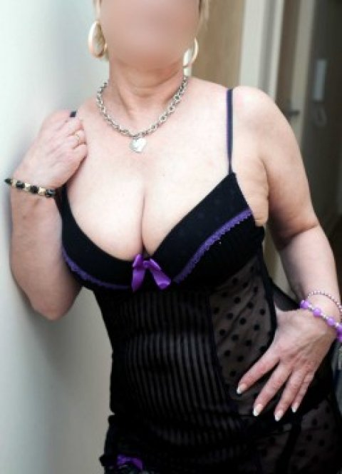 mature french escort girl lorraine